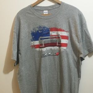 XL1 Chevrolet Chevy Camaro Grey T shirt W/USA Flag